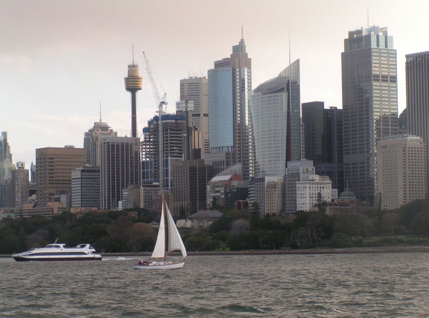 05-Sydney-Business-District-from-the-water