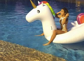 Sport social: a tennis player rides a unicorn and the power of sport