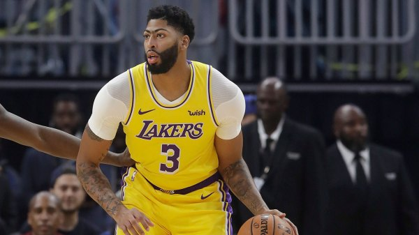Davis injured as Lakers fall to Nets in final game of China series - Sportsnet.ca