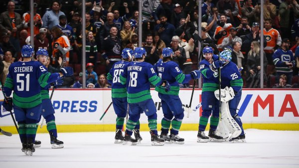 New-look Canucks finding ways to win that they didn