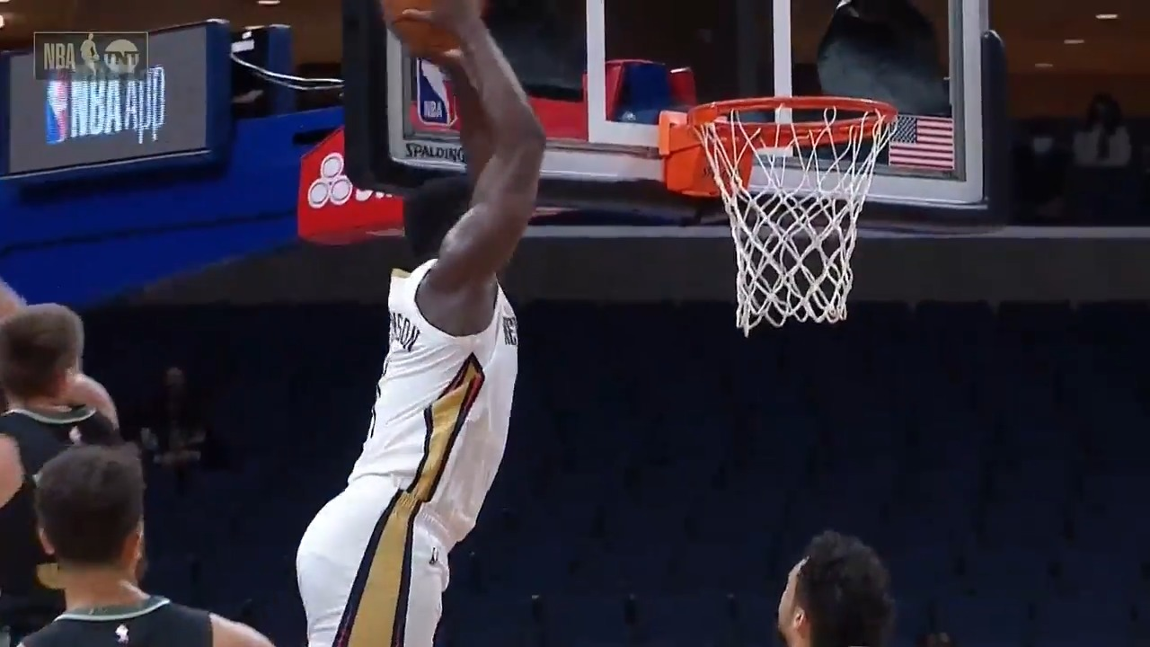 pelicans zion williamson throws down