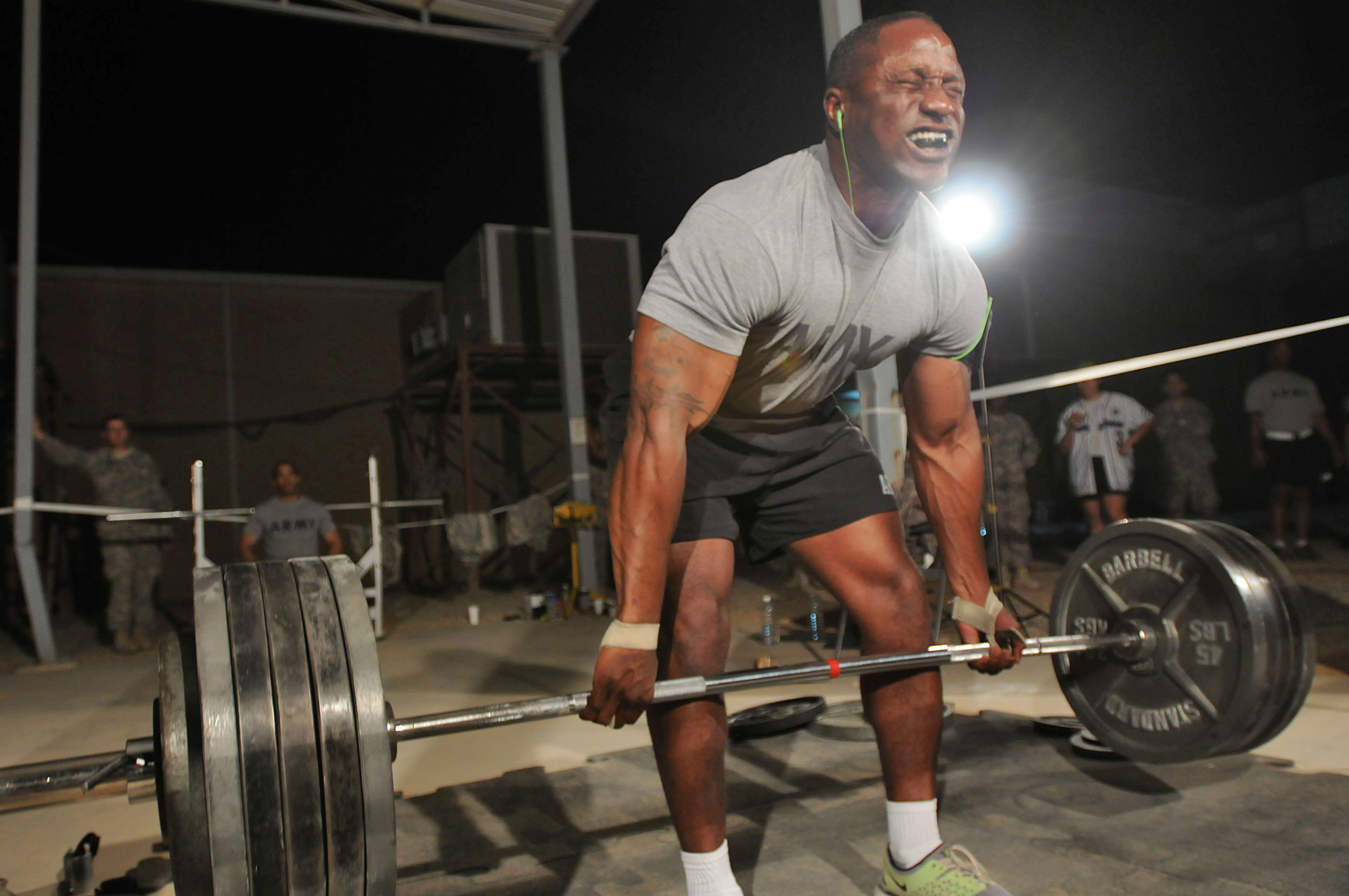 Top 10 Awesome Weight Lifting Gyms With Photos
