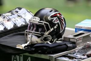 falcons helmet 2020