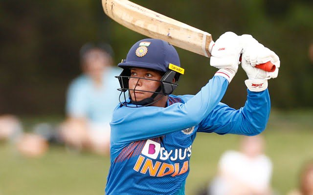 Richa Ghosh signed by Hobart Hurricanes for WBBL 07