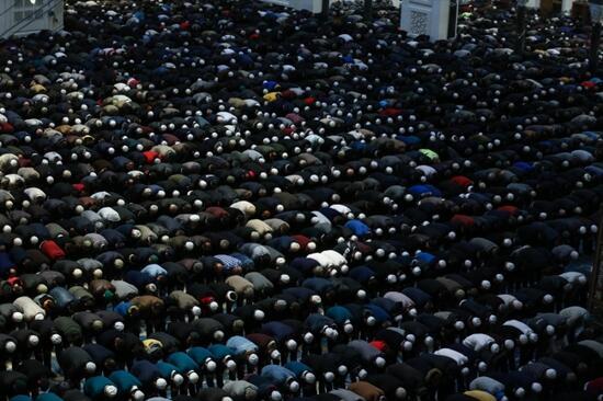 Ramazan Bayram namazında cami yasak mı, tam kapanmada bayram namazı nasıl olacak? (03 Mayıs Pazartesi) 13