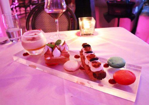 I deliziosi dolci diVilla Azur restaurant & lounge. Foto Grigore Scutari