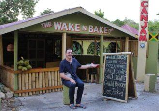 In Giamaica non mancano i bar che servono biscotti, torte e persino popcorn a base di marijuana