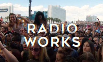 """Un prima immagine dal video """"Radio Matters"""" del RAB: la Radio funziona!"""
