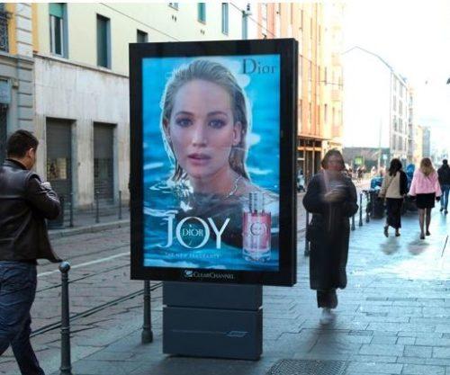 Foto campagna JOY by Dior.2