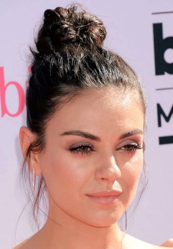 30 Mila Kunis Hairstyles No Bad Mom Hair Here Page 1 Of 2