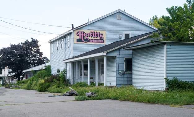 Hewitt's on Troy Schenectady Road is closed
