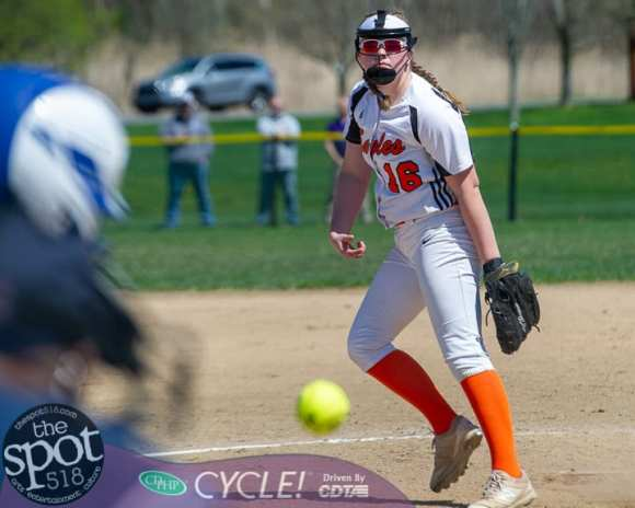 beth-shaker softball-7431