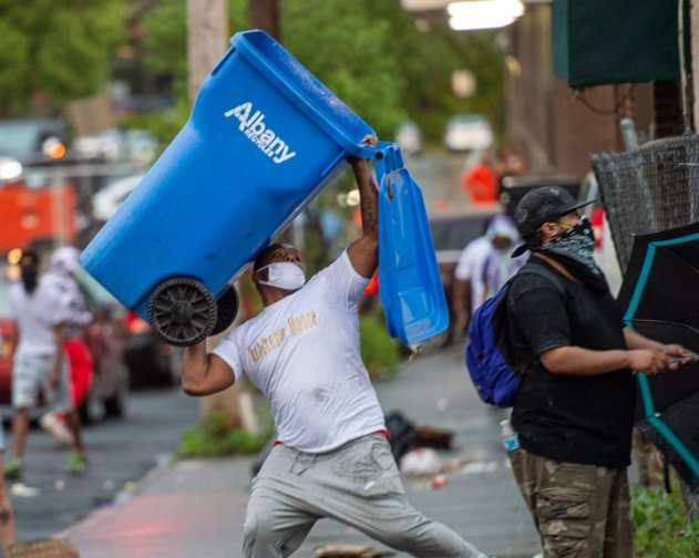 protest-cleanup-1654