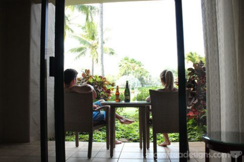 A honeymoon #travel guide for Kauaii Hawaii | spotofteadesigns.com