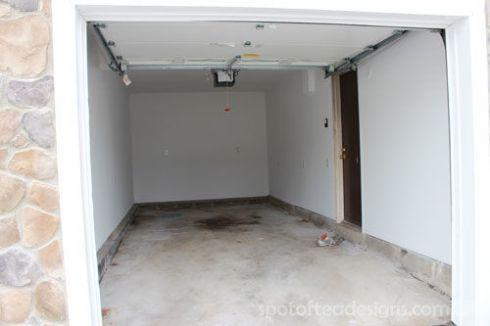 Garage Makeover: Sheetrocked Walls   spotofteadesigns.com