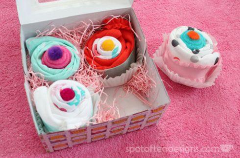 Baby Onesie Cupcakes | spotofteadesigns.com