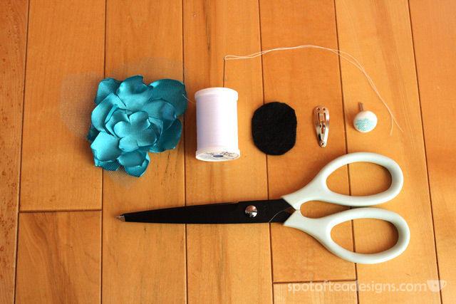 DIY Dr Suess Thing1 and Thing 2 Halloween Costume Fabric Flower Headband Tutorial | spotofteadesigns.com