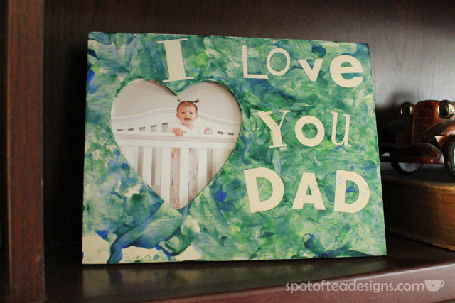 Father's Day Kids Craft: Sticker Resist Picture frame | spotofteadesigns.com