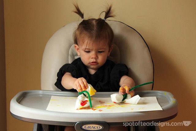 Grandparents' Day Fingerpaint #KidsCraft with #Free #Printable | spotofteadesigns.com