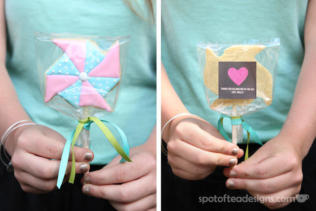 Pinwheel first birthday party: Cookie pop favors with @TinyPrints thank you tag #birthdayparty | spotofteadesigns.com