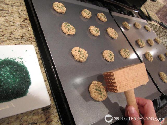 Favorite #Baking Items: Calphalon Cookie Sheets | spotofteadesigns.com