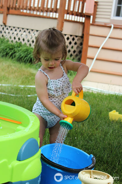 8 must have backyard toys for #toddlers - watering can | spotofteadesigns.com