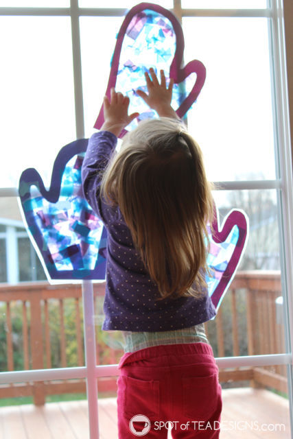 Fun & Easy Winter Kids Craft - Mitten Sun Catchers using @ContactBrand paper | spotofteadesigns.com
