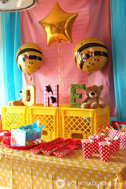 9 Summer Party Themes - teddy bear picnic | spotofteadesigns.com