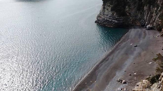 """Bergeggi ancora orfana di una delle spiagge più belle della riviera, stallo sul progetto per il """"Lido delle Sirene"""""""