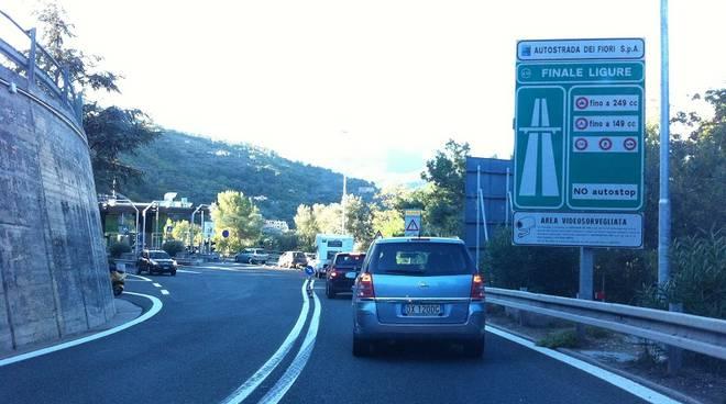 Lavori a tempo di record, fine della chiusura notturna dei caselli a Spotorno e Finale Ligure