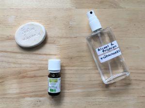 Huile essentielle de citronnelle, pierre de diffusion et solution d'alcool à friction contre les moustiques.