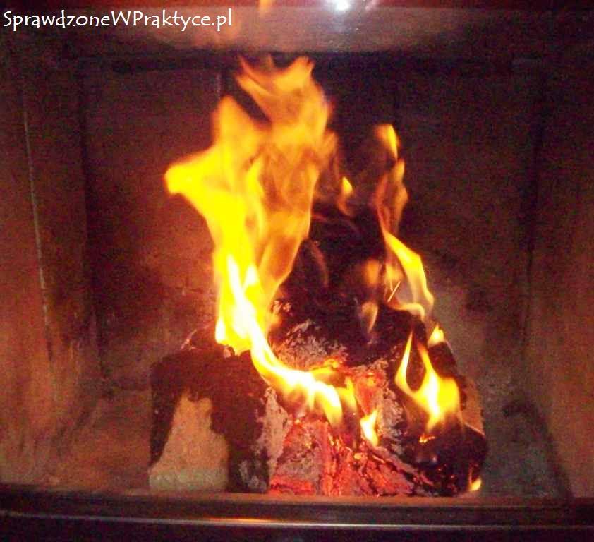 płonący brykiet po godzinie