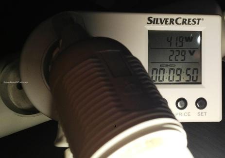 pomiar poboru energii przez żarówki