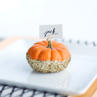 DIY: Glittered Pumpkin Place Card Holders