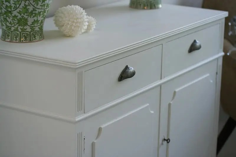 Distressing Chalk Painted Cabinets