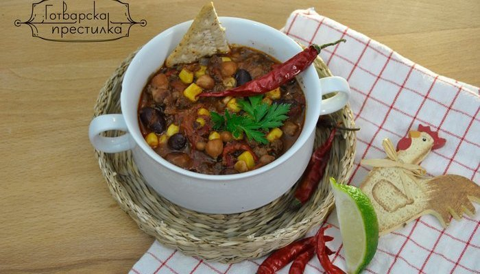 Mexican cocoa chili con carne and the legend of it