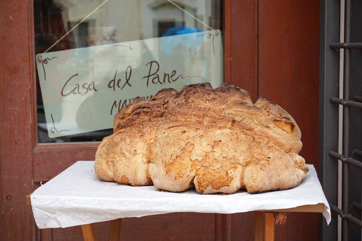 Типичния хляб на Матера