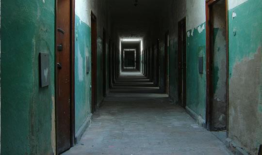 prison Karanlık Kalplerimiz: Stanford Hapishanesi Deneyi