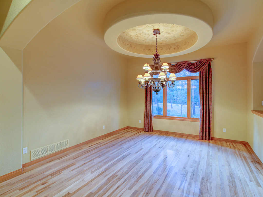 wavy-oak-dining-room