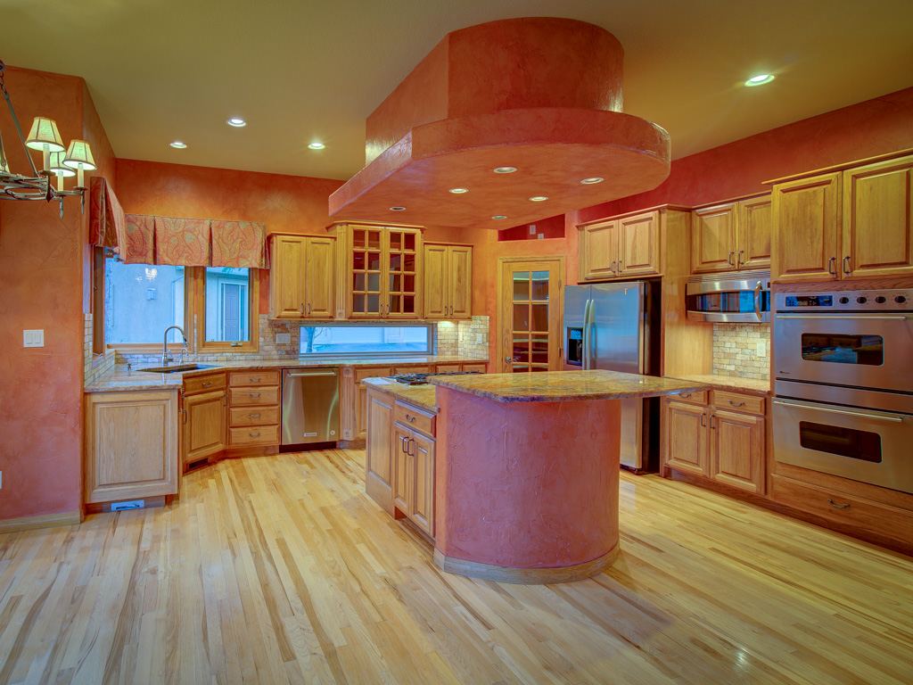 wavy-oak-kitchen