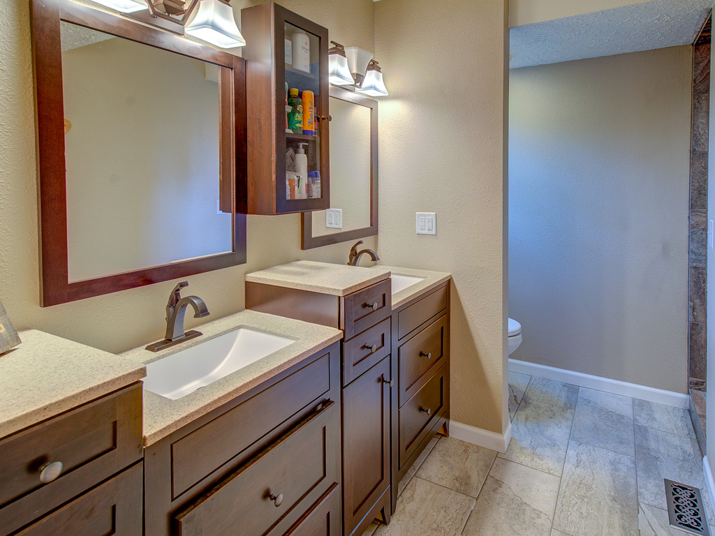 Herringe-Master Bathroom