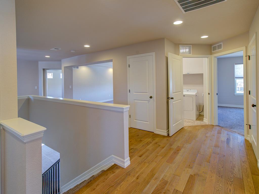 Tahoe-Upstairs Hallway2