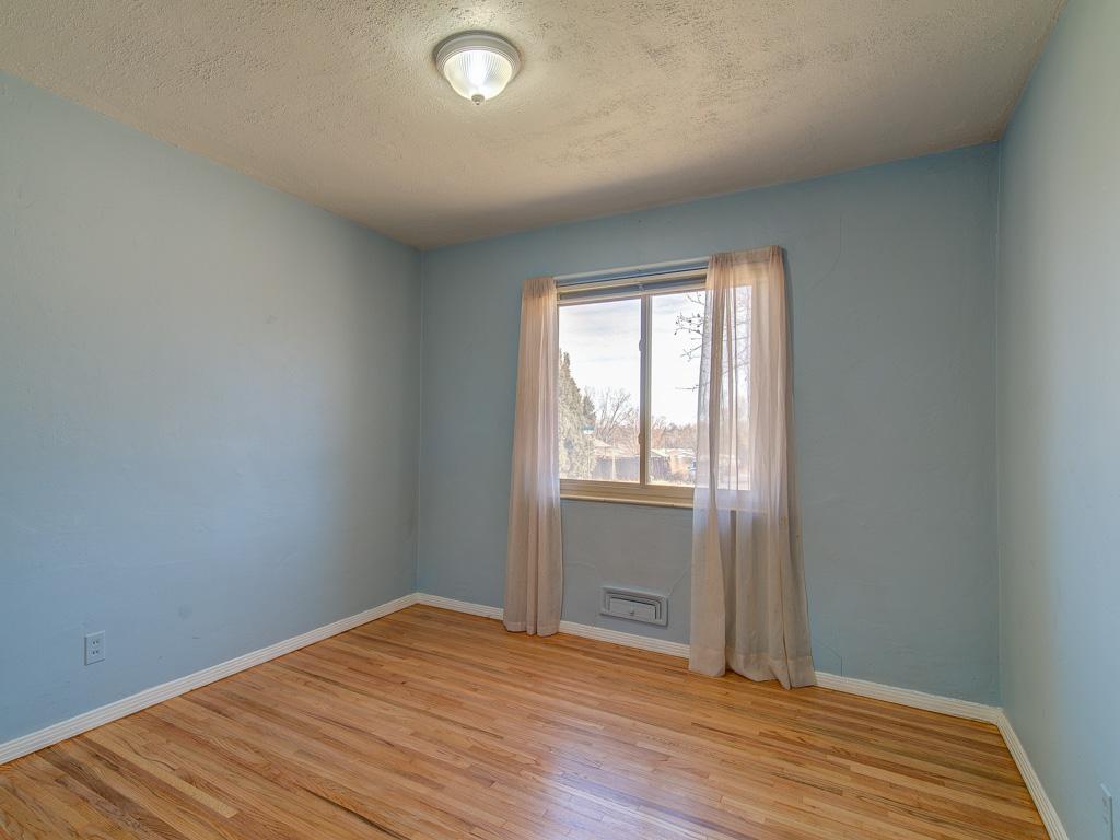 Marquita-1st Bedroom
