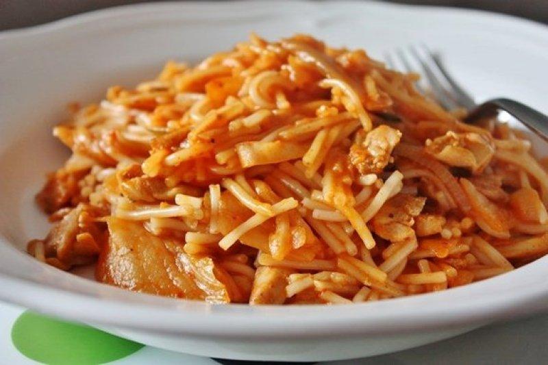 Kimchi Pork Noodles