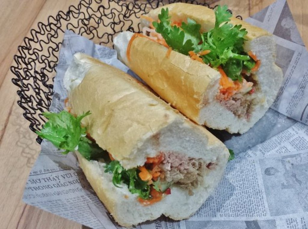 Sauteed lemongrass pork, cream cheese banh mi ($6.90)