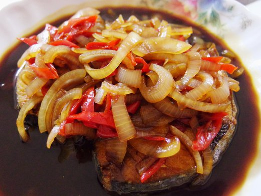 Soy Sauce Fried Batang Fish with Onions Recipe