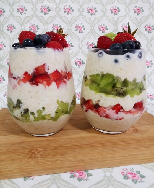 Overnight Oats with Fruits 2