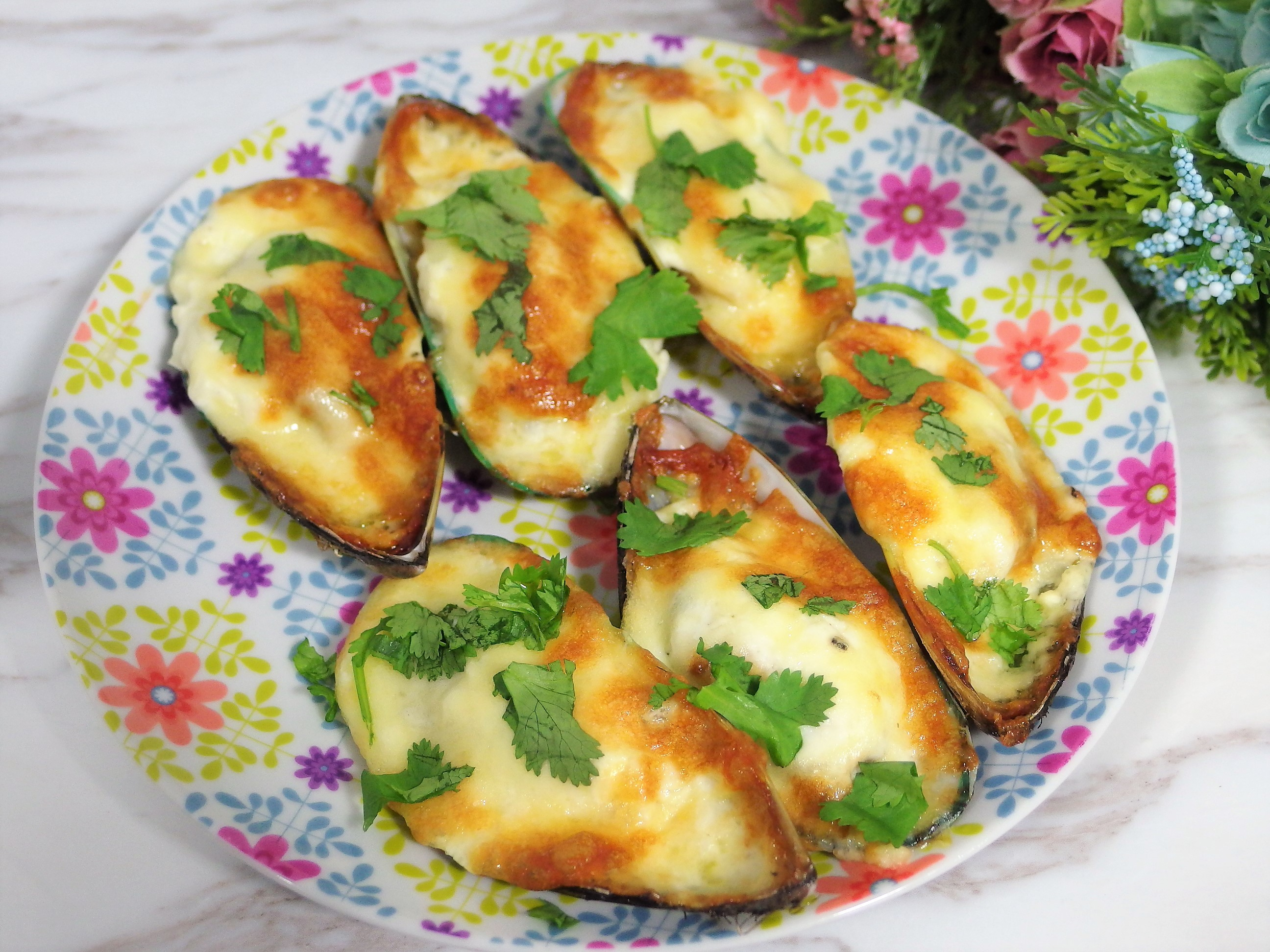 Cheesy Baked Mussels Recipe