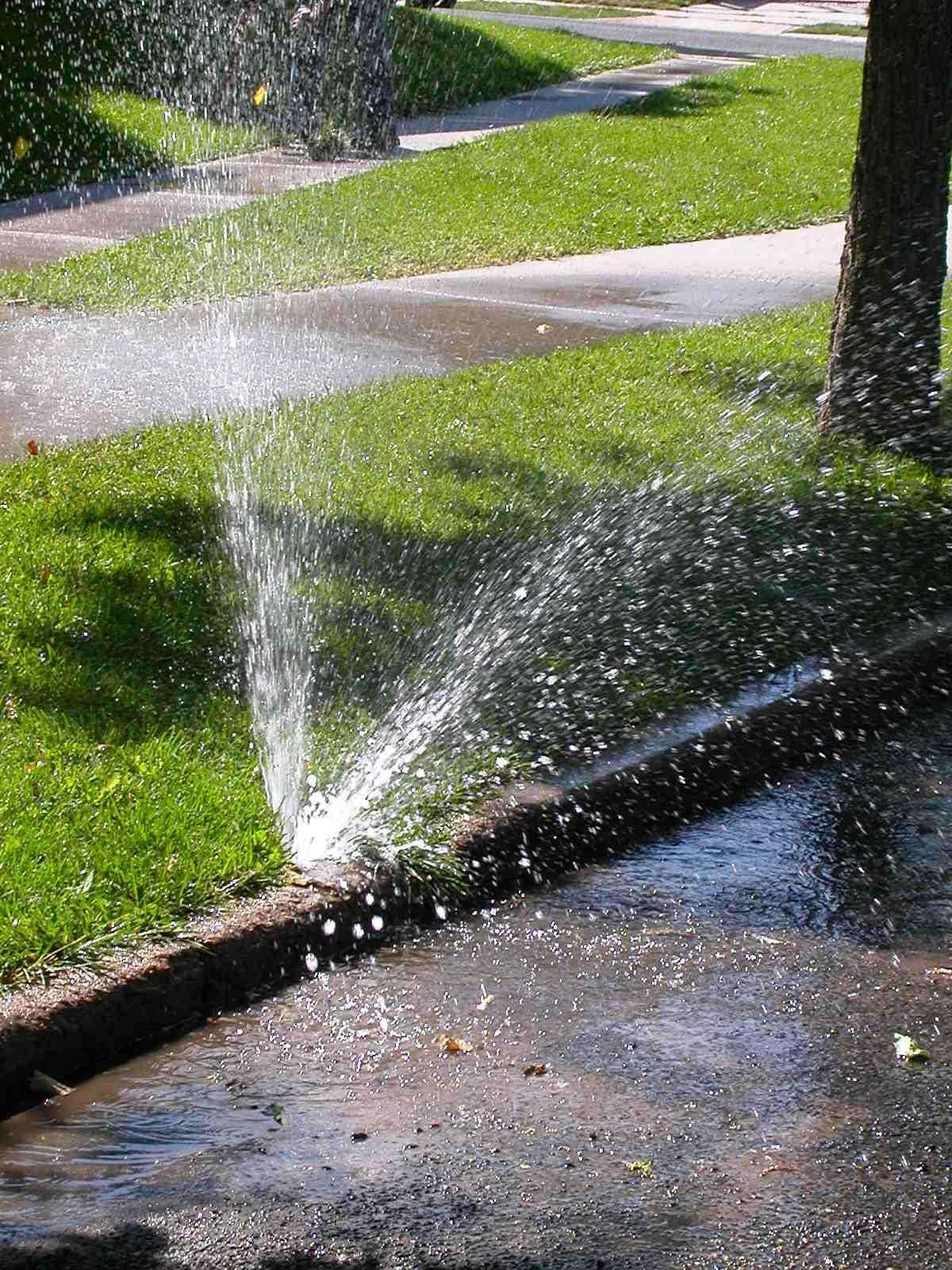 Reparing Broken Sprinklers Amp Pipes Sprinkler Genie