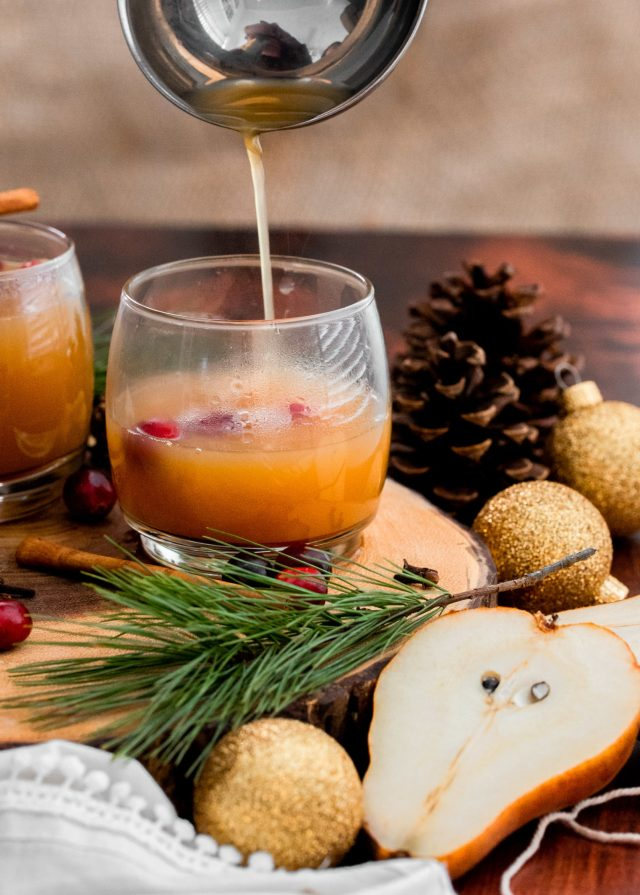 Stovetop Holiday Pear Mulled Cider